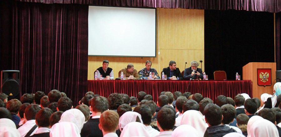Для школьников организовали  встречу с ветеранами войны в Афганистане и ветеранами МВД, приуроченную к  30-летию вывода войск из Афганистана