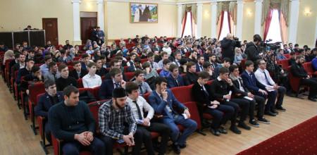 Во Дворце молодежи прошло очередное мероприятие в рамках проекта «Лицом к лицу»