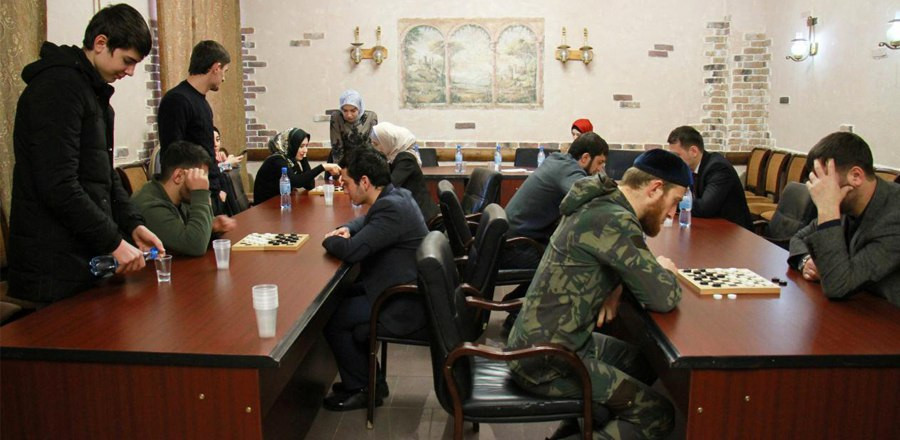 В Грозном прошел турнир по шашкам